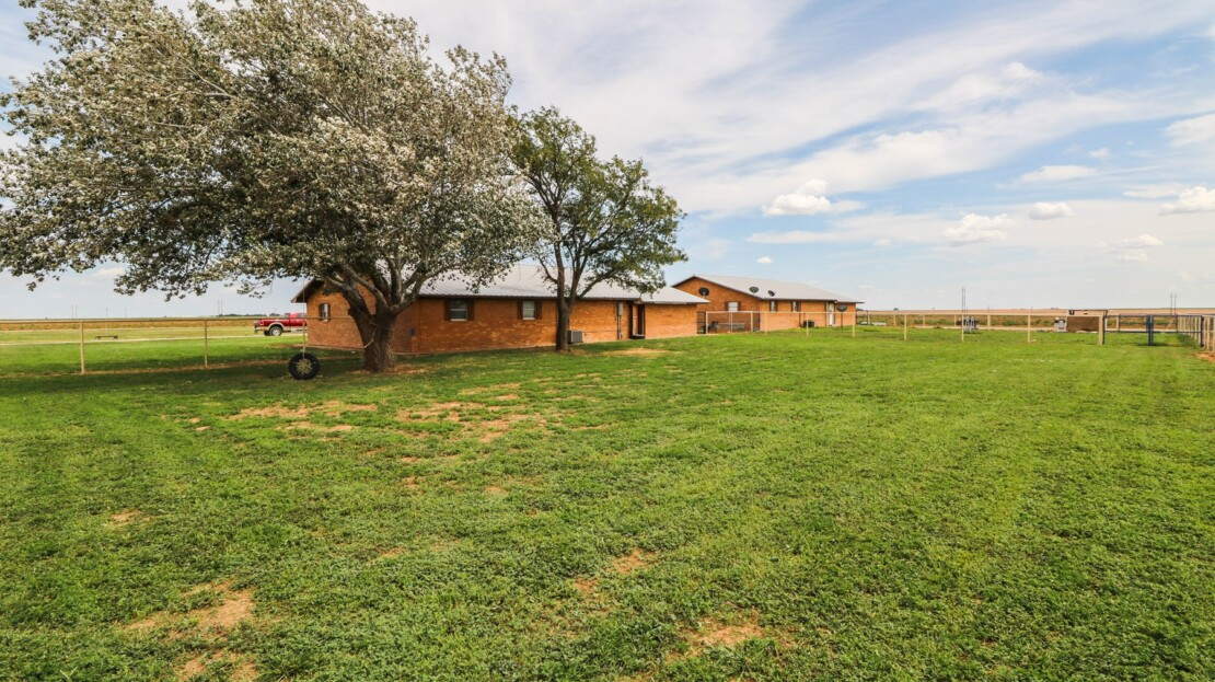 26 - Farwell, TX Equine Training Facility and Land For Sale